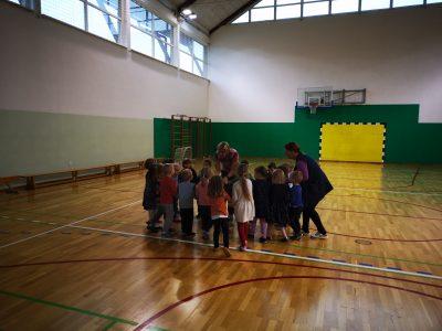Ples v oddelku Miške z učiteljico Darjo