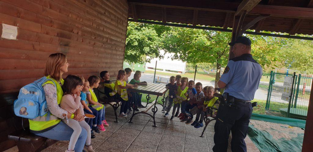 Varna hoja s policistom – Miške